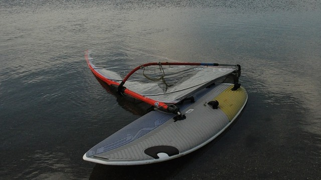 12 Top Tips for Buying a Beginner Windsurf Board (online)
